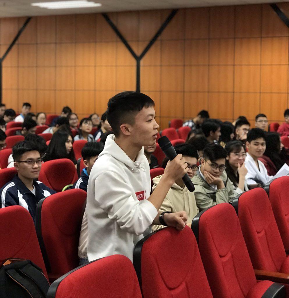Rất nhiều câu hỏi về chứng chỉ ICDL đã được sinh viên ĐH Kinh tế Quốc dân đặt ra.